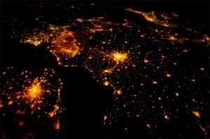 Главную елку страны поищут из космоса